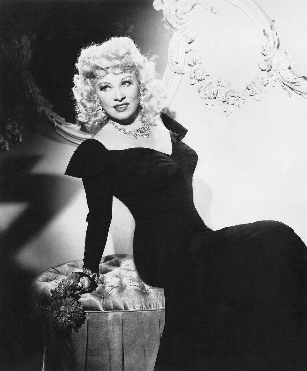 3 странных способа для увеличения красоты в старом Голливуде. Как актрисы прошлого без современных средств меняли внешность